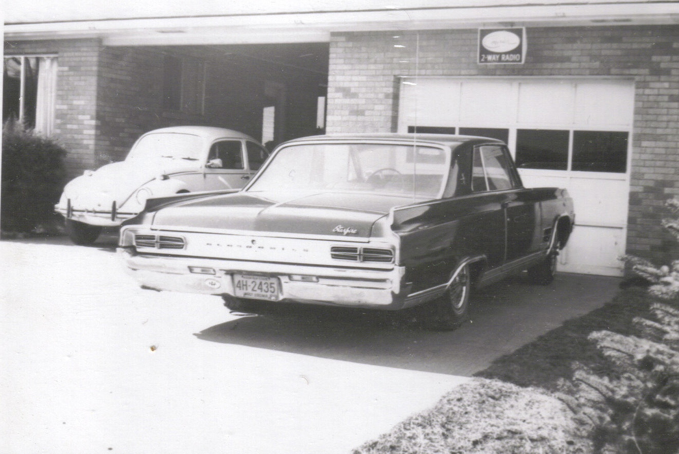 cars in the driveway 1972